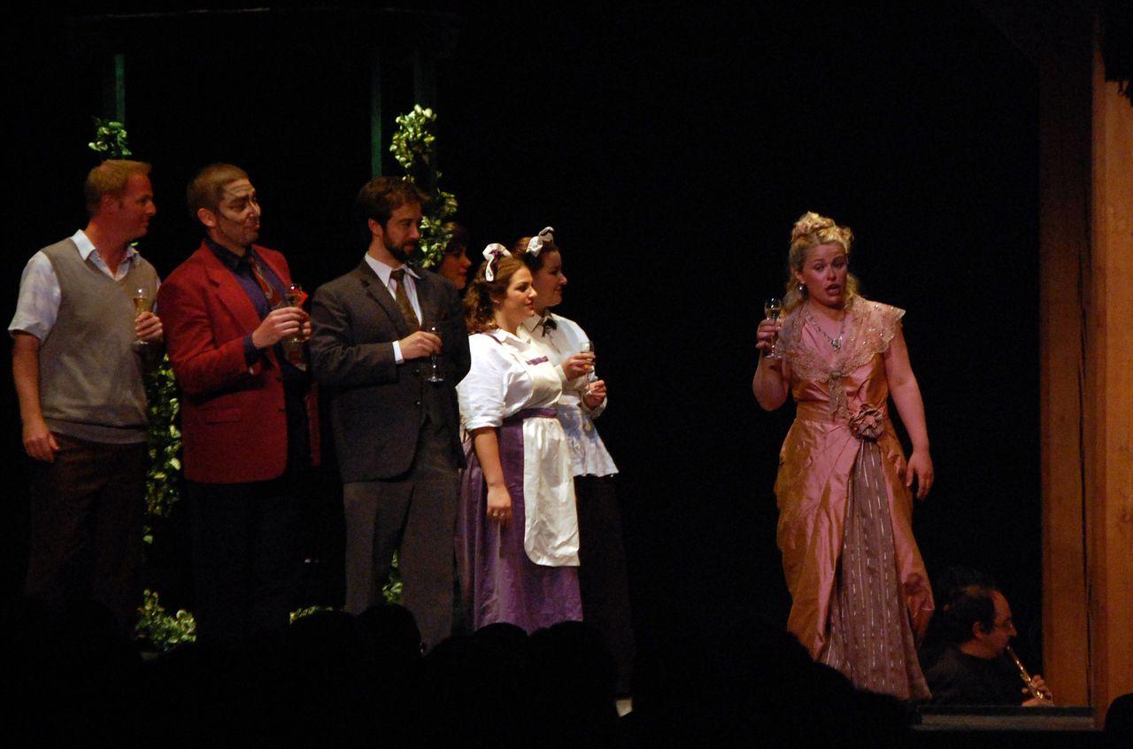 Virginie-Stucki-Recup-And-Cut-Brignais-Don-Pasquale-Opéra-Festival-Lyrique-en-mer-Donizetti