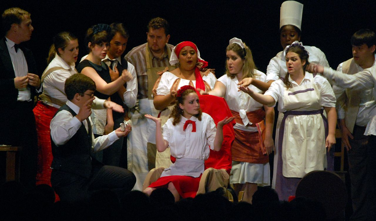 Virginie-Stucki-Recup-And-Cut-Givors-Don-Pasquale-Opéra-Festival-Lyrique-en-mer