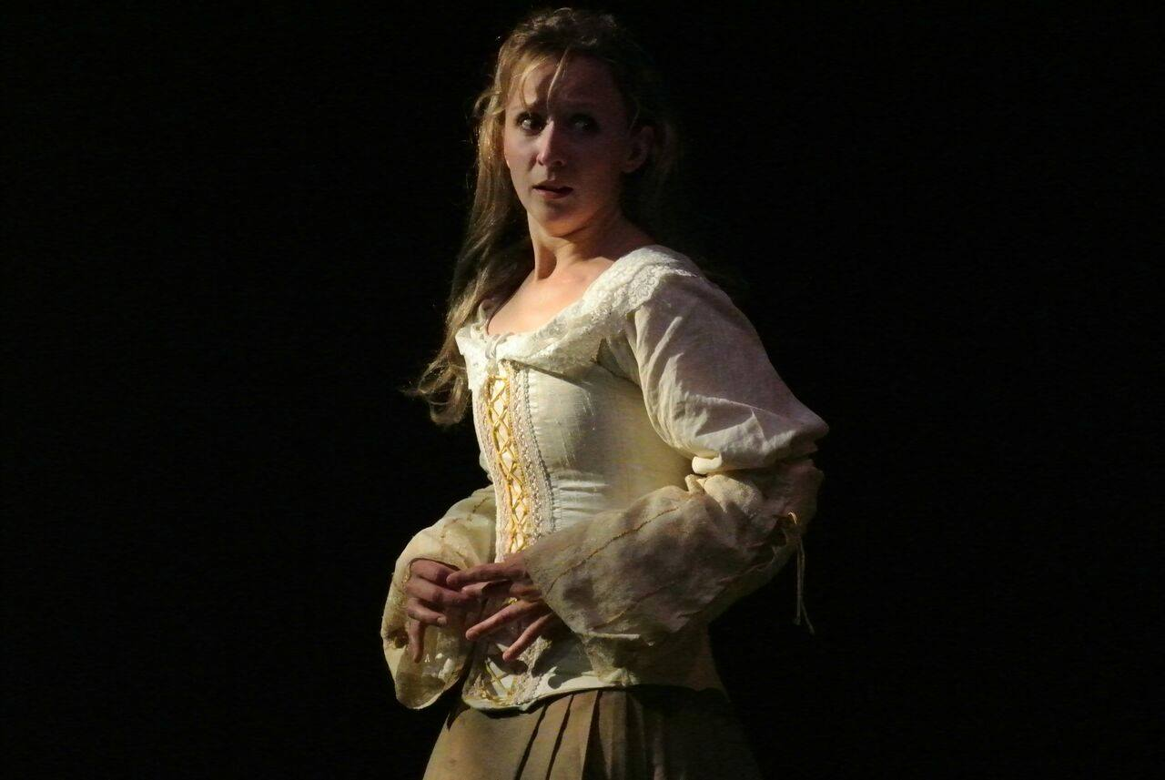 Virginie-Stucki-Recup-and-cut-Grigny-Laetitia-Poulalion-Teatro-Picaro-Pret-a-Partir