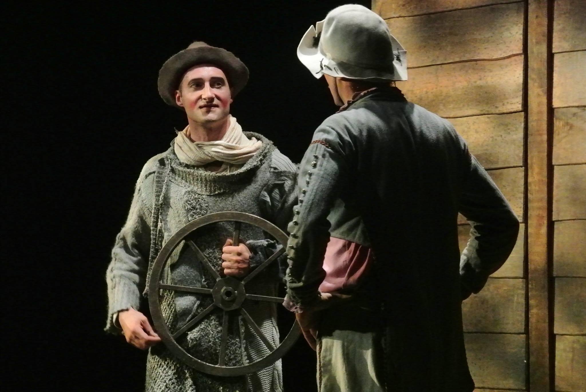 Virginie-Stucki-Recup-and-cut-Grigny-Teatro-Picaro-Pret-a-Partir-Paulo-Crocco
